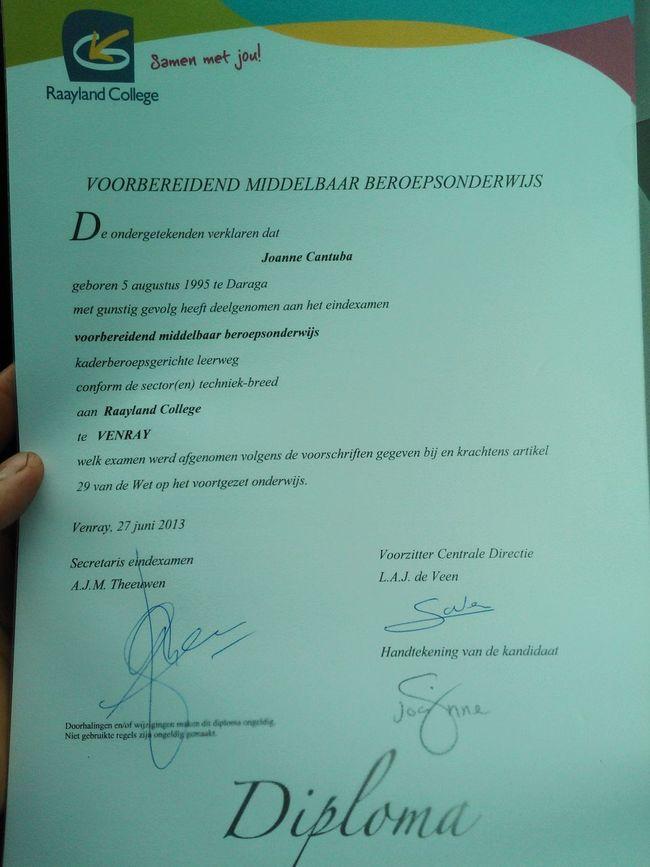 eerste diploma van me dalijk nederlandse passport jeej