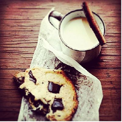 Dieting. ... Cookies n Life perfect combo Instameal Iger it ain't easy eating these crappy food tho'