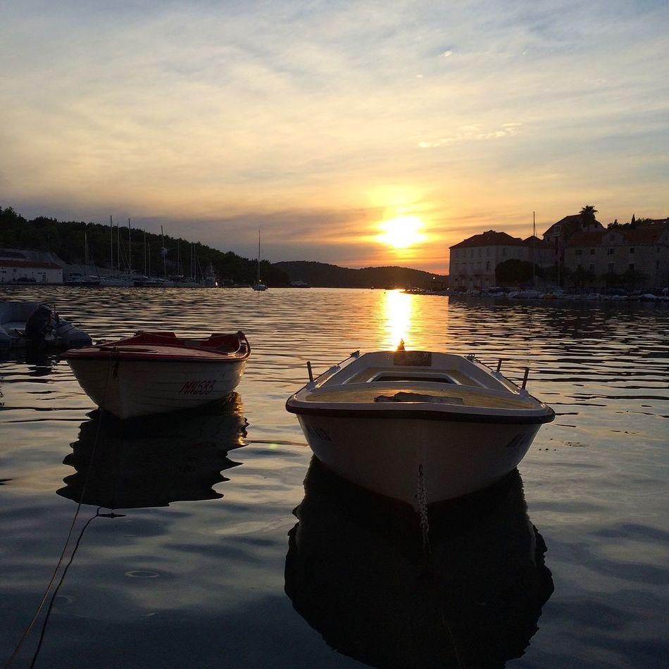 Edge Of The World EyeEm Best Shots AMPt_POTD Sunset Silhouettes