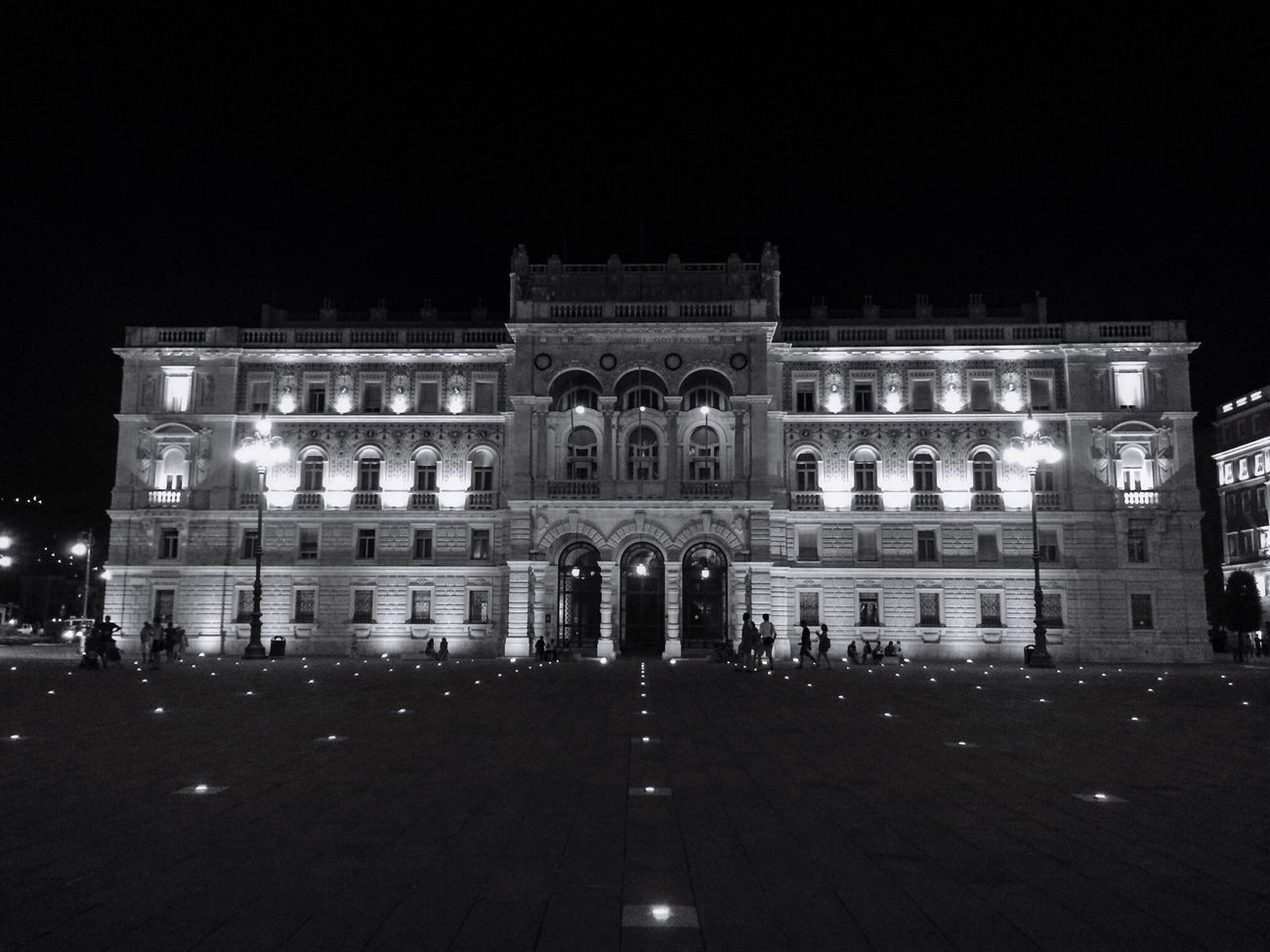 Black And White Bnw_friday_eyeemchallenge Bnw_nights Bnw_night Trieste