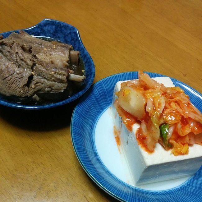 キムチのっけ豆腐と何かの肉。 休肝日