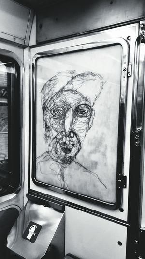 You see the scrawl ,I see the art. Street Style Art Streetart Paris Peintre