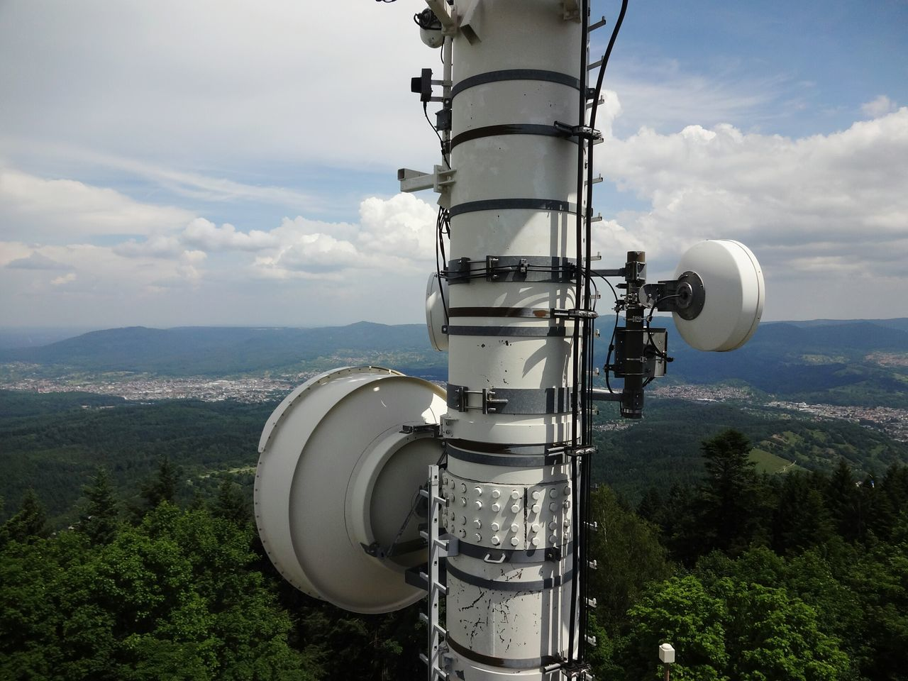 Technology Day Cloud - Sky No People Outdoors Nature Communication Communications Tower Merkur Landscape Landschaft Panorama Panorama View Black Forest Schwarzwald Thundery Antenna - Aerial Telecommunications Equipment Mobilfunkmast Mobilfunk Technology And Nature