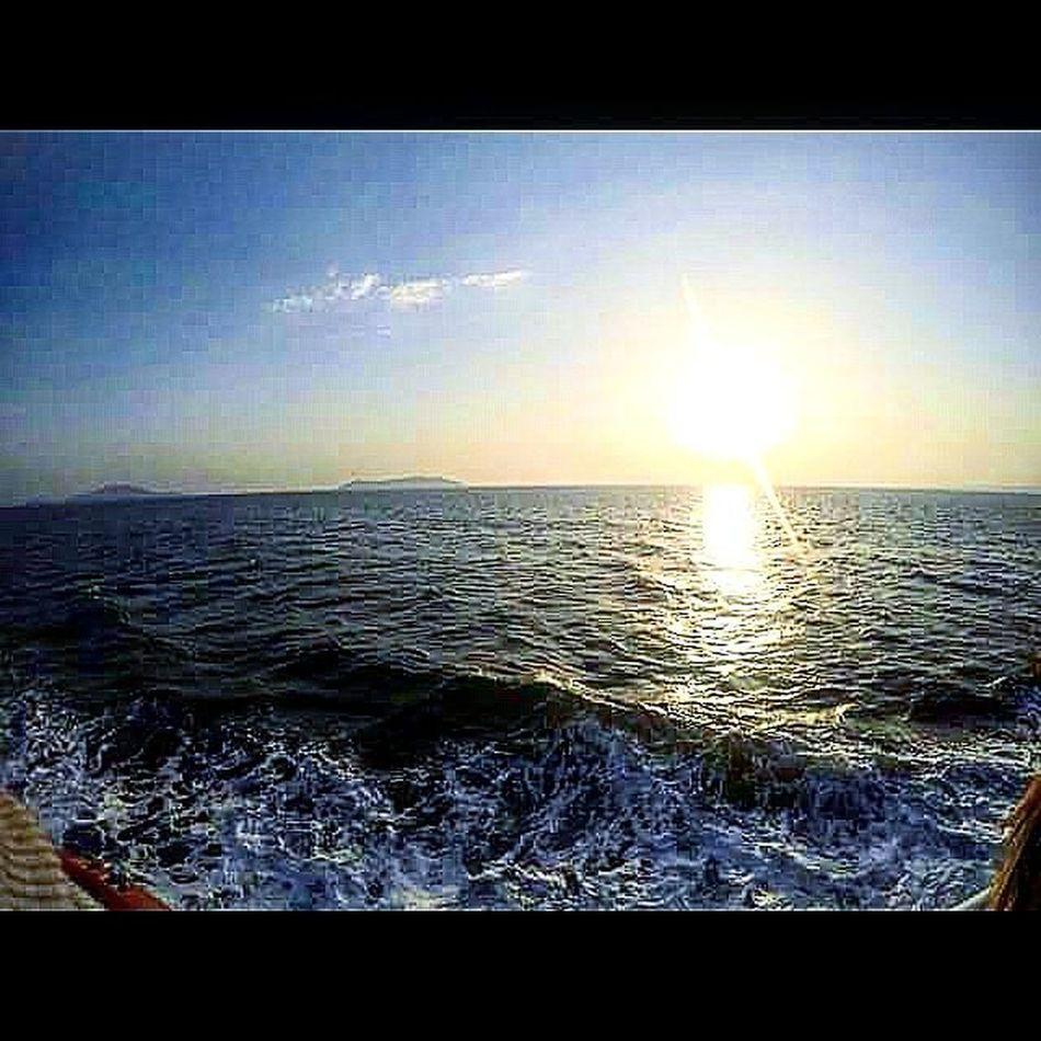 Günaydın ♡ Tgif Goodmorning Sea Sun Sky Beautiful Nature Naturelovers Naturephotography Goprooftheday Hero4 Passionpassport Travel Holiday Backpacking Vscotravel Best  Travelgram Askileyap