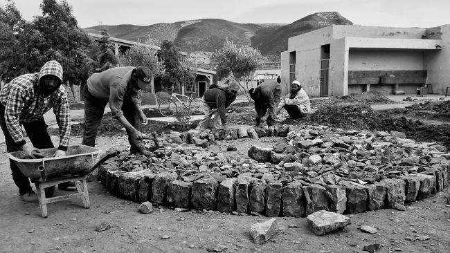 Blackandwhite Photography CollectiveWorkAndResponsibility Capture The Moment Morocco Freelance Life TheWeekOnEyeEM Taking Photos Showcase: December Laborday Labour Workday