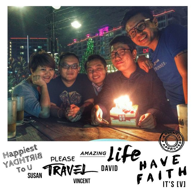 C'riosly Walking with a friend in the dark is better than walking alone in the light.......... Iphone 5 Friendship Dontletyourdreamdie It's V Oasis Damansara HappyBirthday2015 Quotes