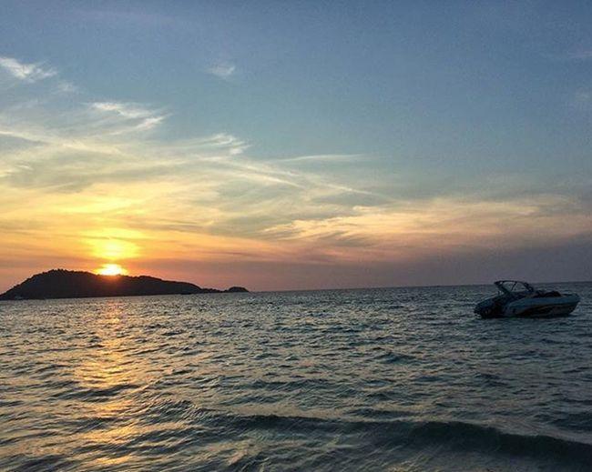 Sunset always gets even more beautiful from a beach..!! Phuket Patong Thailanddiaries Naturelover Natureporn Eveningcolours Sunset Serene Instatravel Instagramers Insta_thailand Instapic
