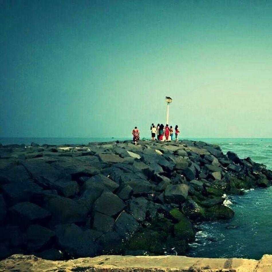LIFE is Better at BEACH🌊 Cuddalorebeach Stonebeach CuddaloreHarbor OT Beauty Calm Blueishgreeneffect Blackrock Harbor People CruzerClickz📷 PC:@im_nrd EC:@kroshiya