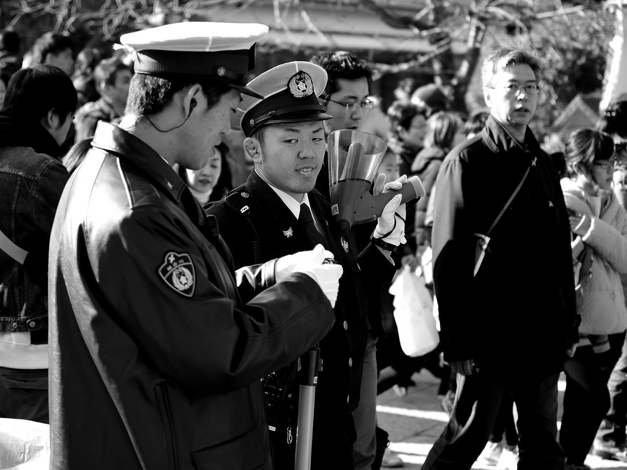 Japan Japan Photography Japanese Culture Japanese Style Japon Policeman 😉 Streetphoto_bw Streetphotography