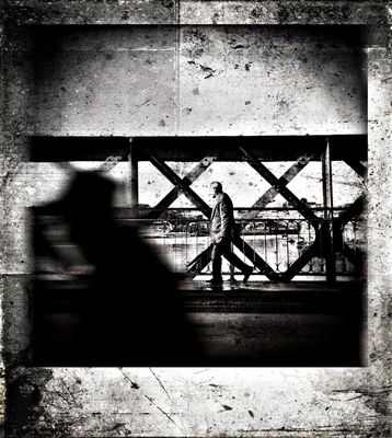App'd Street Photography at Ponte D. Luís I by Hugo Levi