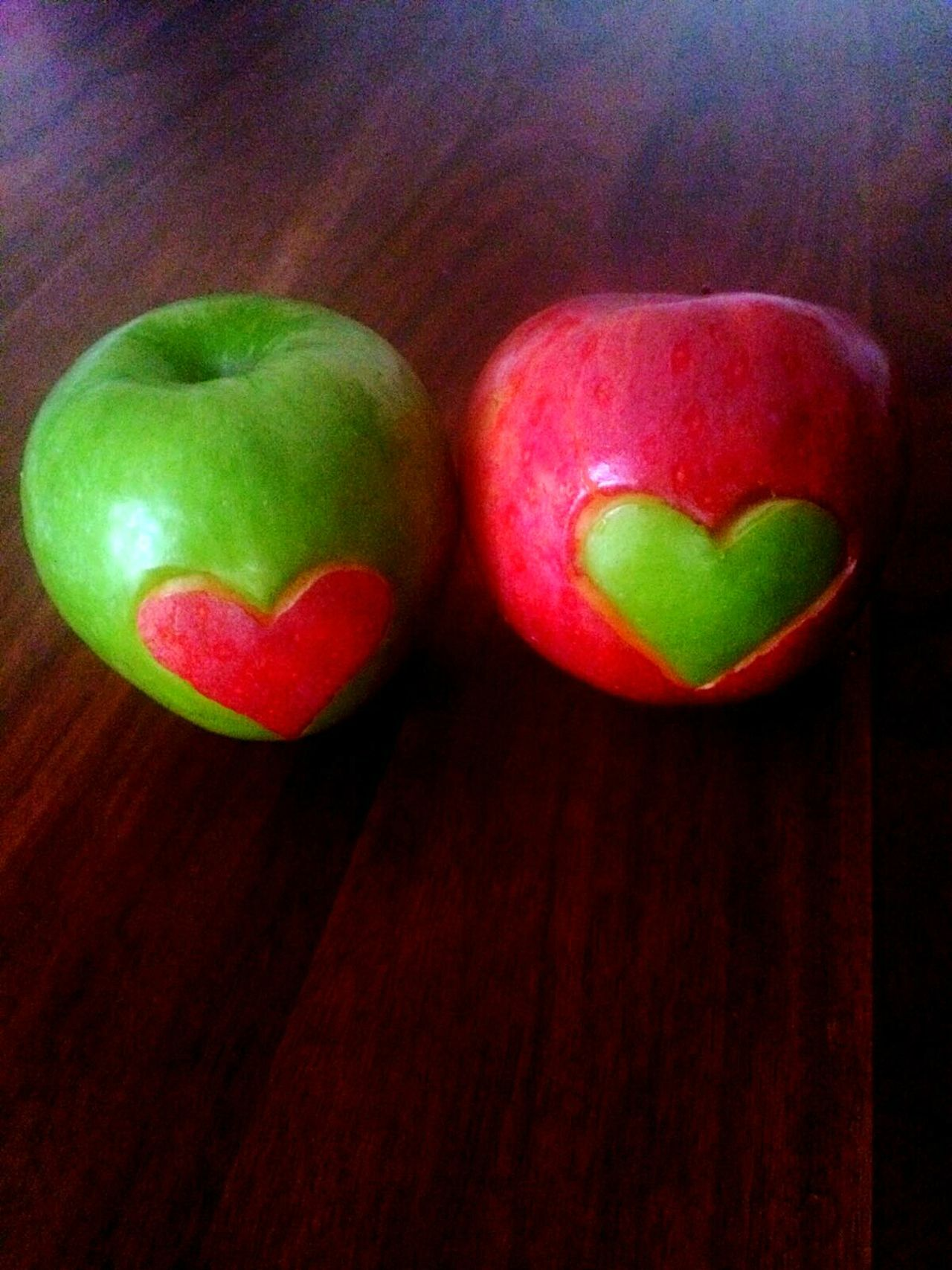 Apple Apples Heart Shape Heart ❤Healthy Lifestyle Food And Drink Healthy Food Healthy Eating EyeEmNewHere Hearts Red Indoors  Multi Colored No People Close-up Green Color Day Food Love Love ♥