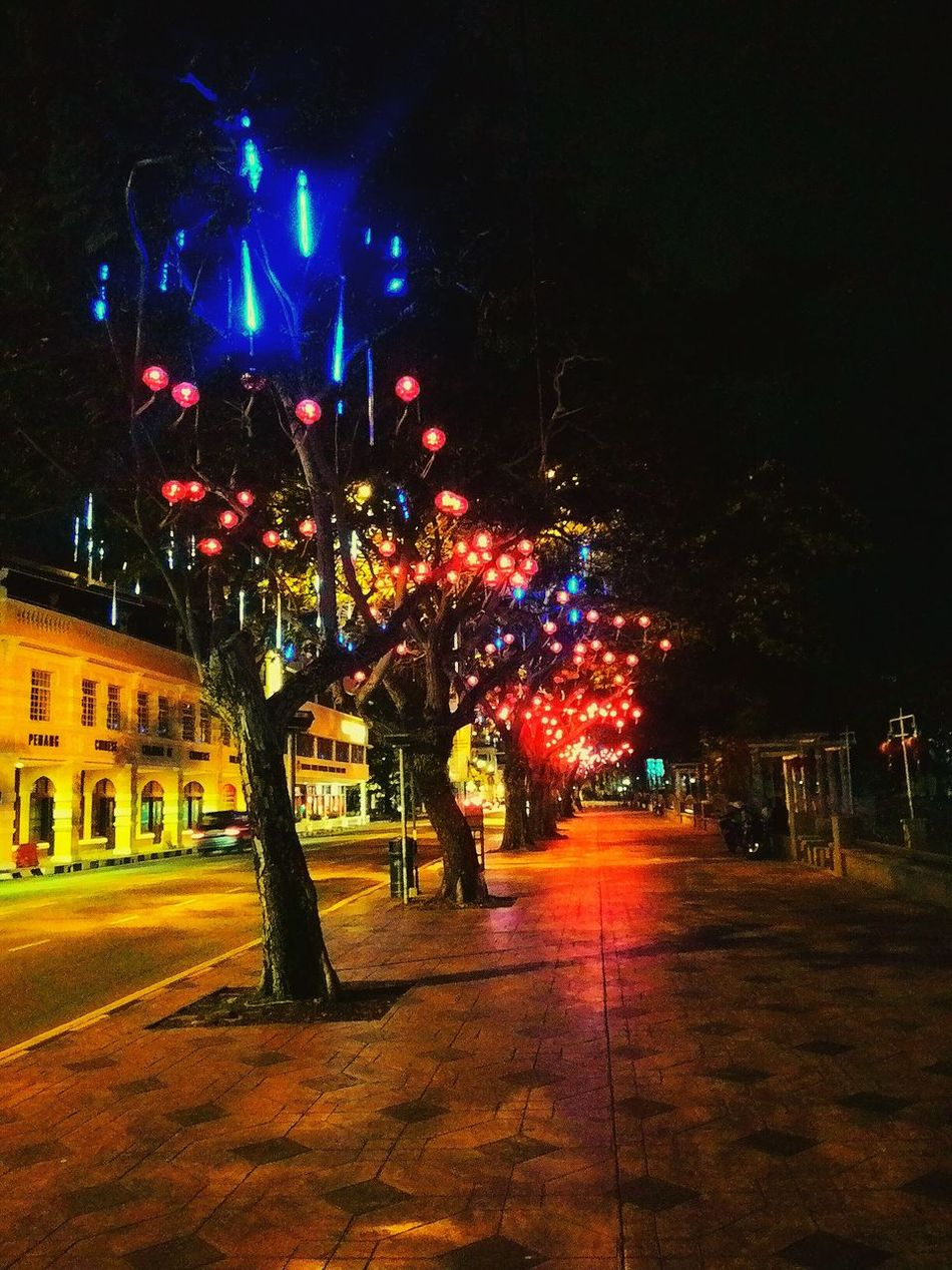 Check This Out Taking Photos Enjoying Life Pictureoftheday EyeEm Indonesia EyeEm Best Shots EyeEm Best Edits Enjoying The View Enjoy Vacation In Penang Beautiful Place lamps colour light trees