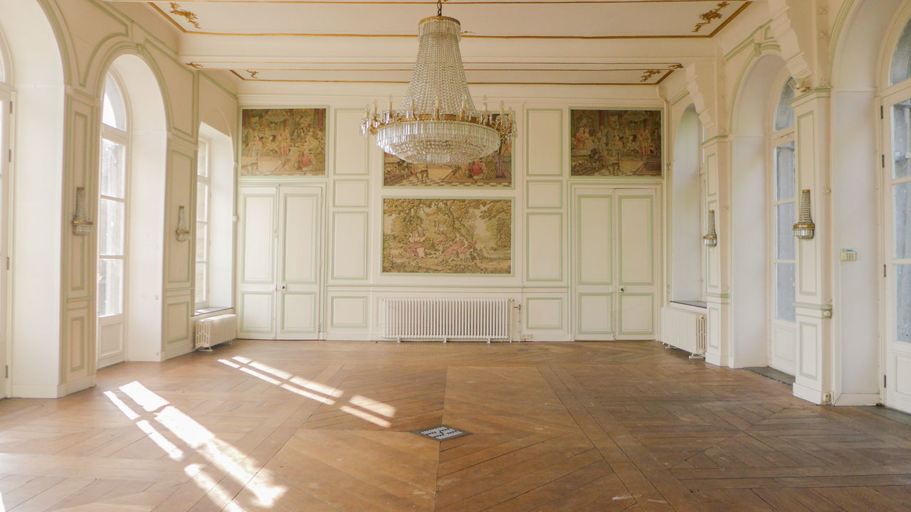 Elégance Architecture Home Interior Indoors  Beauty Luxury No People Day History Photograph Discovering Urbexexplorer Photography Abandoned Abandoned Places Abandoned Buildings Abandonedplaces Lostplaces Urbexphotography Urbexworld Urbex Sunlight Dancefloor Travel Destinations Upper Class