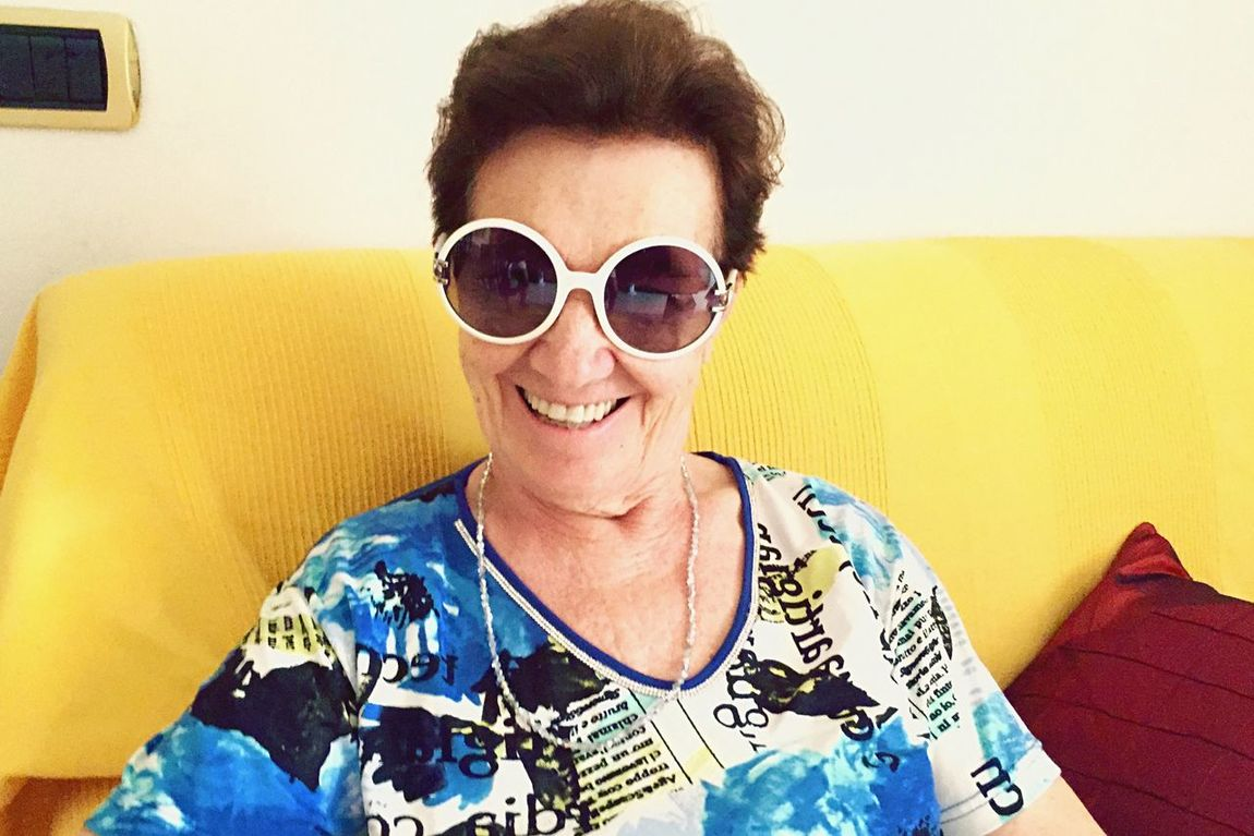 People Watching People Grandma Sunglasses Portrait Color Portrait Smile Style Picturing Individuality Old But Awesome