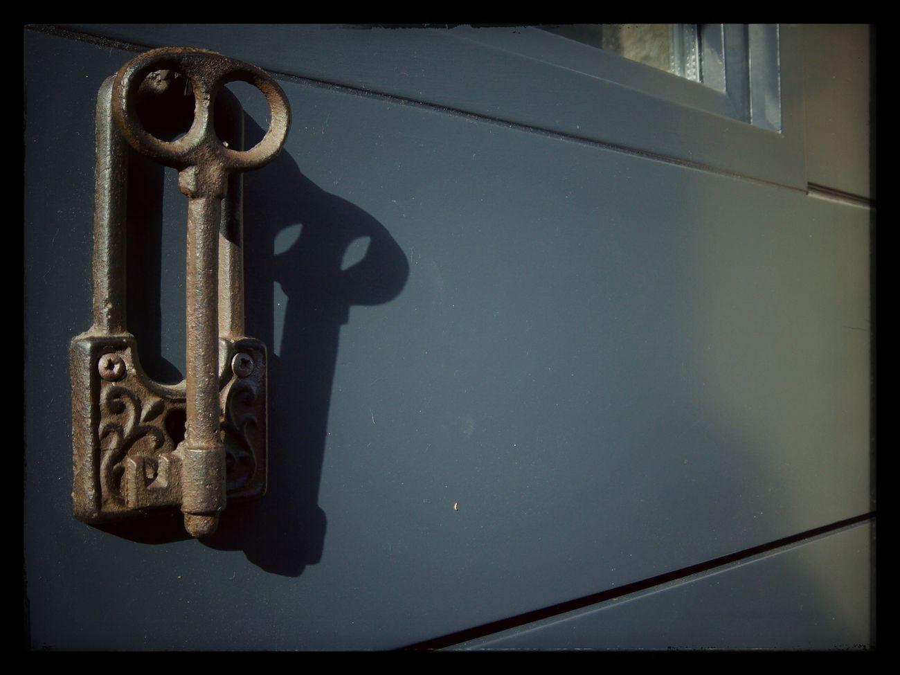 Keys AsChavesDeSanPedro Chave Door Paseando pola Rúa de San Pedro