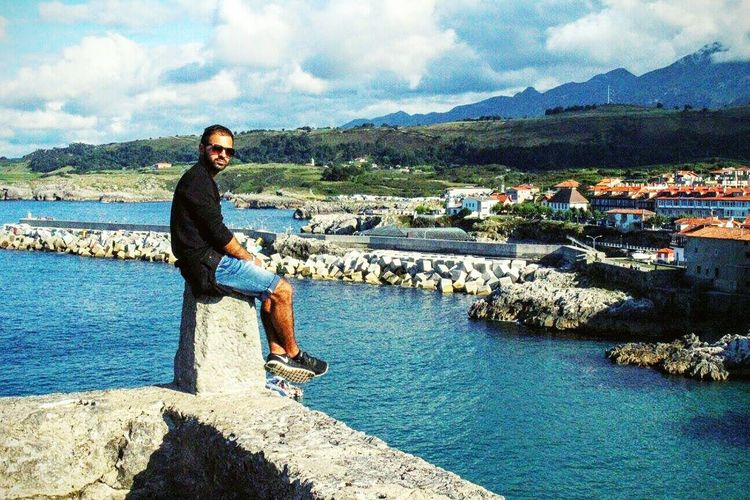 SPAIN Holidays Enjoying Life Badboy I Love My Sunglasses. Nike Free