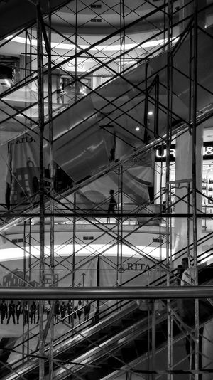 Perspective Personal Perspective Personal Project Indoors  Monochrome Photography Blackandwhitephoto Black & White Photography Documentary Photography Street Photography Black And White Streetphotography EyeEm Architecture Weekly Welcome Achitecturebeautiful Grainy Images Grain Blurred Motion Blured Moments Blurimage Indoors