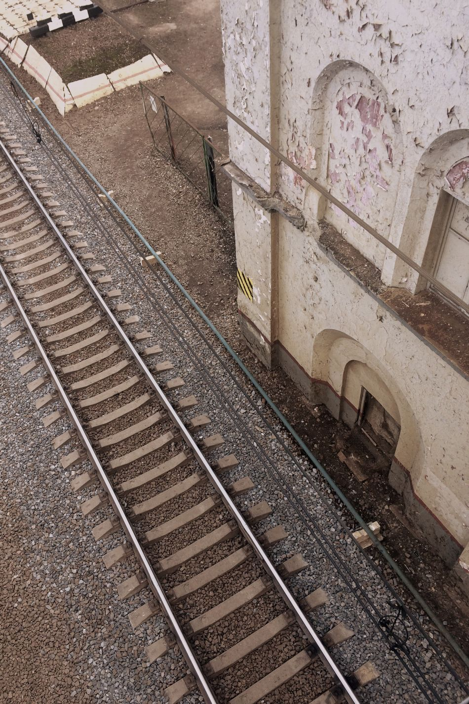 Railroad Track Transportation Rail Transportation The Way Forward No People Public Transportation Architecture Day Art Is Everywhere