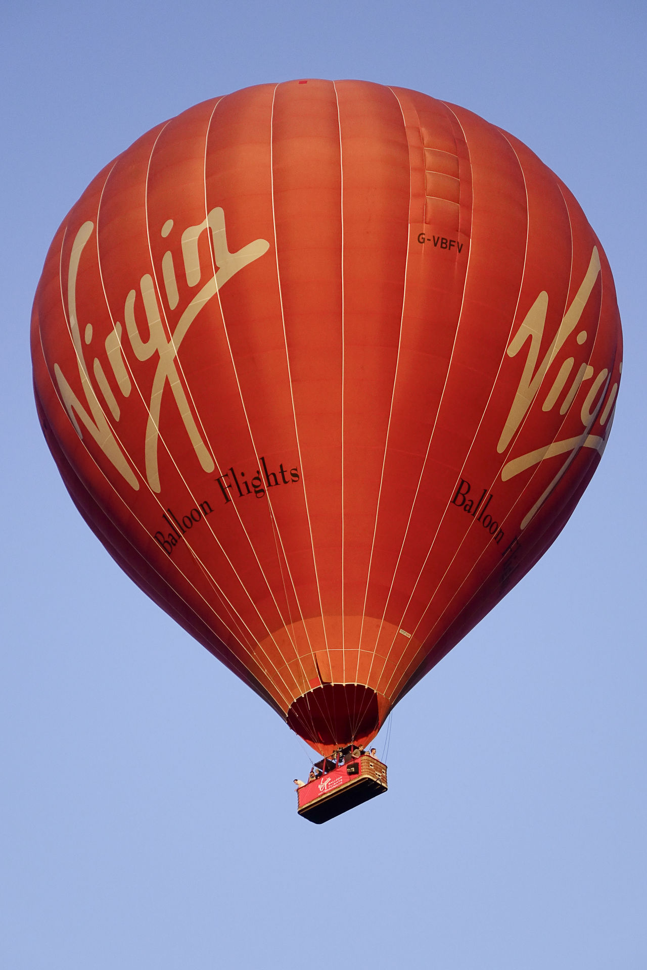 A Virgin hot air balloon flight over the Surrey countryside in Milford, England. England England, UK England🇬🇧 Flight Godalming Hot Air Balloon Hot Air Ballooning Hot Air Balloons Milford Richard Branson Surrey Surrey Countryside Uk Virgin