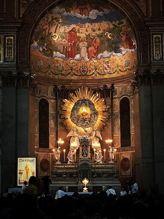 Nossa Senhora De Nazare Basílica De Nazaré Fé Templo d oração, graças e d contato íntimo com Deus!Abençoe Mãe querida!