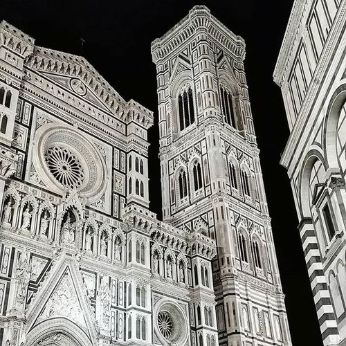 Florence you look surreal in this freezing night ❄🌛 Florence Firenze Duomo Pontevecchio Ig_tuscany Ig_florence