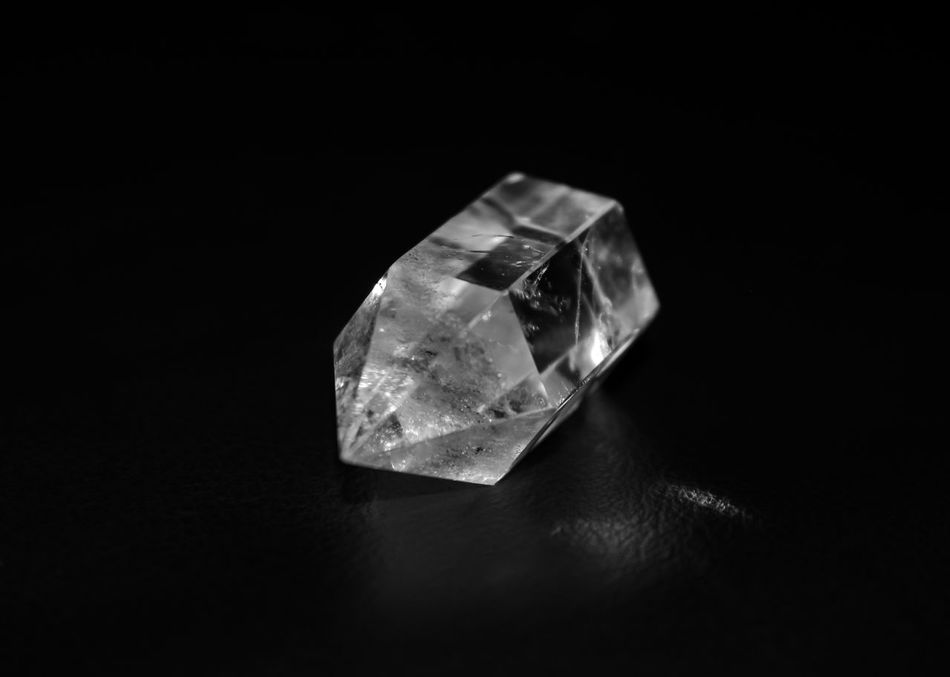 Black & White Black And White Blackandwhite Blackandwhite Photography Bnw Close-up Crystal Stone Crystals Detail Eye4photography  EyeEm EyeEm Best Shots EyeEm Bnw EyeEmBestPics From My Point Of View Minimal Minimalism Minimalobsession