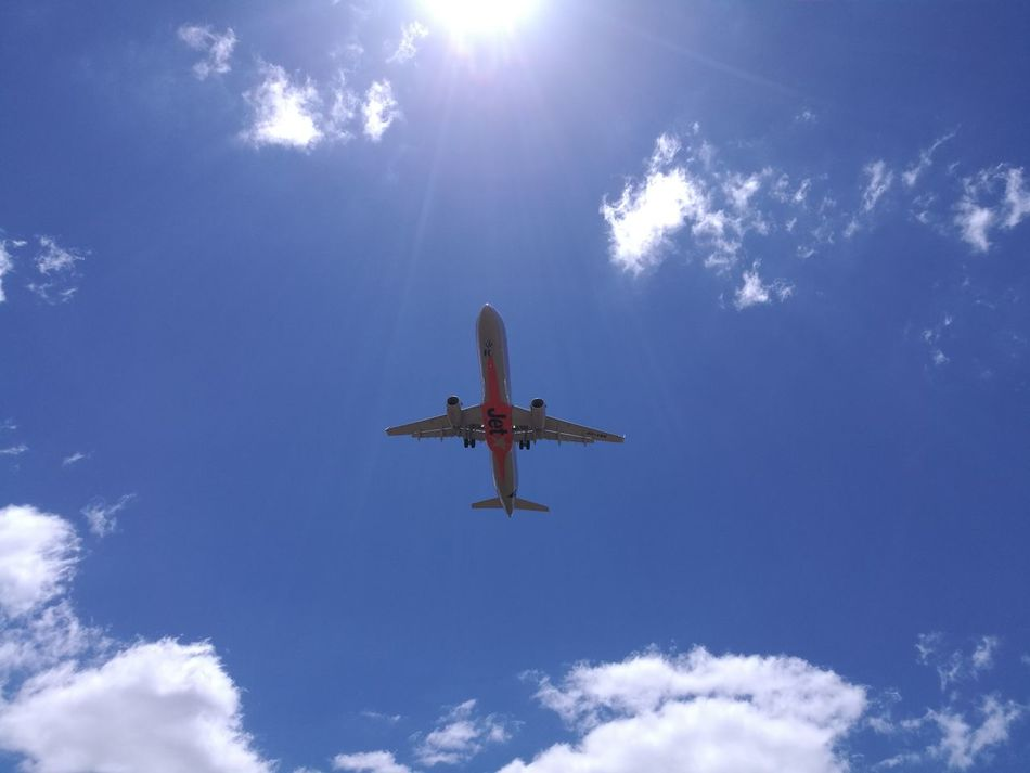 Jetstar Domestic Passenger Jet coming in to Land at Melbourne International Airport.