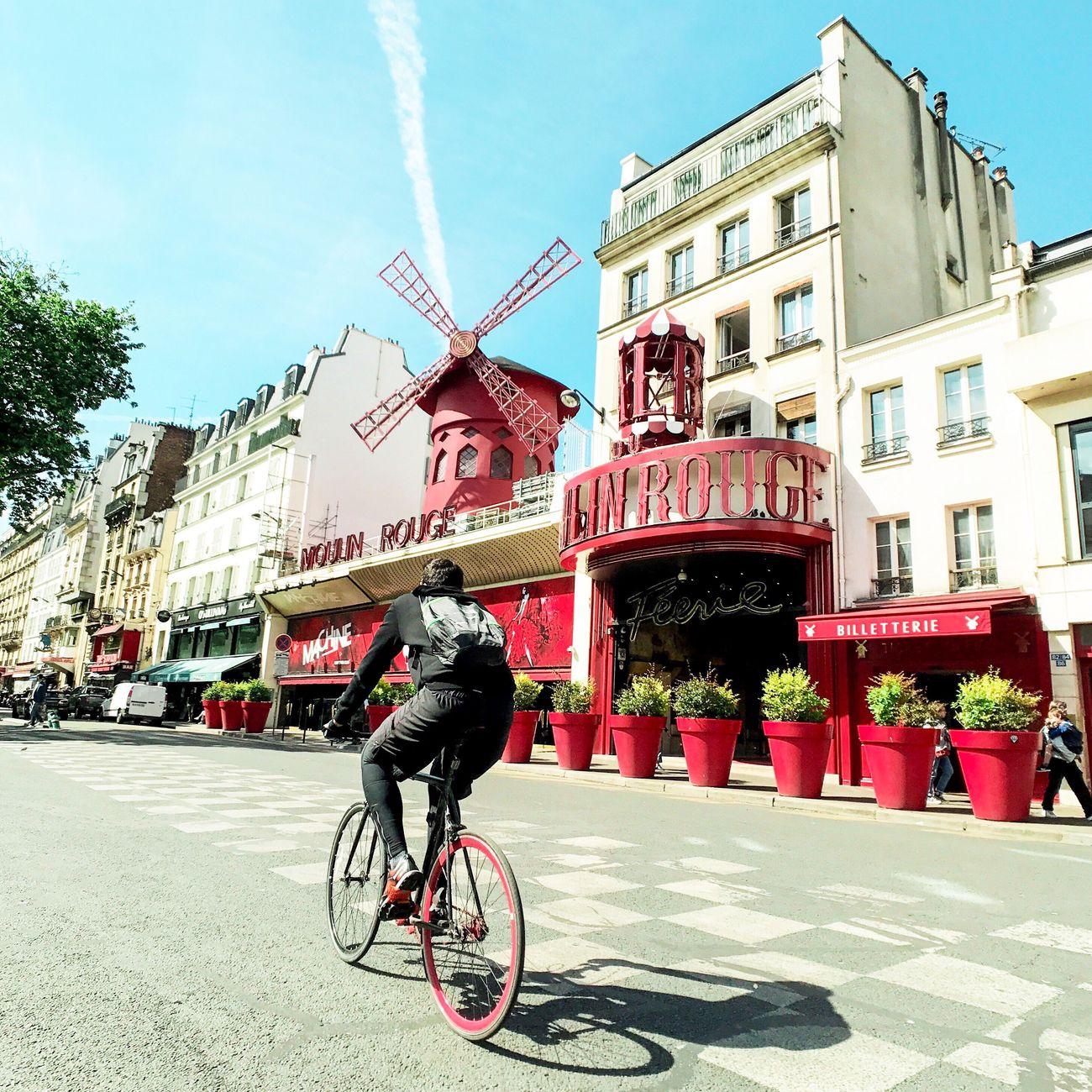 Good Evening Paris! Bonsoir Paris Bicycle Architecture EyeEm Best Shots Parisweloveyou Photooftheday Paris Travel Destinations Paris ❤ Eyem Best Shot - Architecture Moulin Rouge Moulin