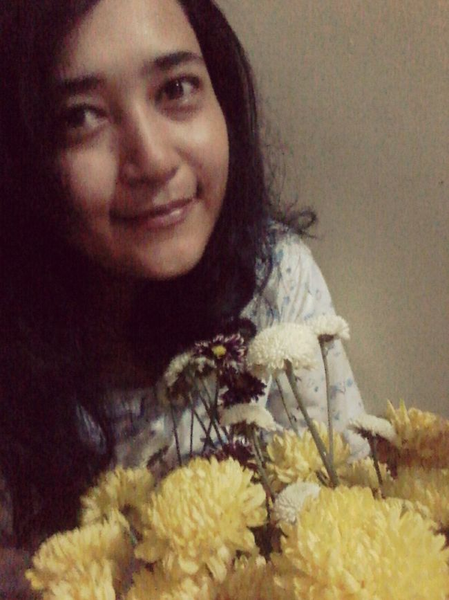 Mee and the flowers...