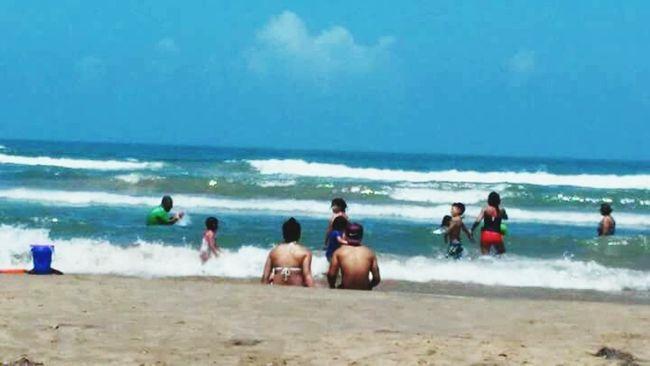 Beach bummin 💏🌊 Relaxing Being A Beach Bum Sunshine First Eyeem Photo