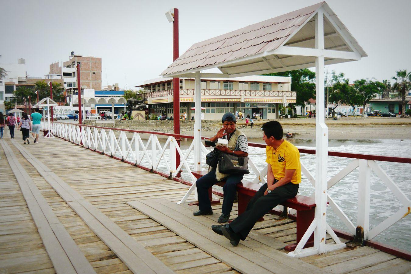 People talking around Huanchaco Hanging Out Trujillo Peru Talking Beach