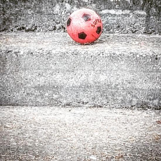 Minimalism_bw Minimal Minimalobsession Calcio Calcioitaliano Pallone