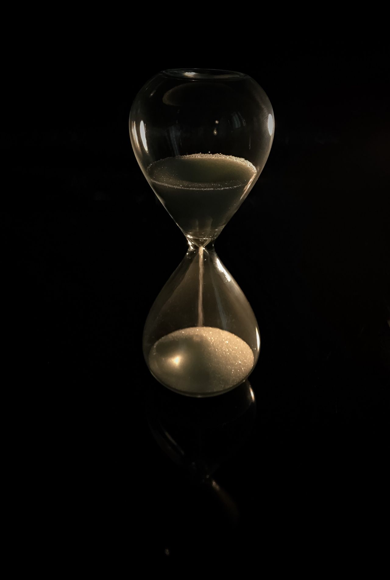 Hourglass Time Sand Deadline Black Background Single Object Urgency No People Timer Close-up Studio Shot Studio Studio Photography Sand Clock Reloj Reloj De Arena