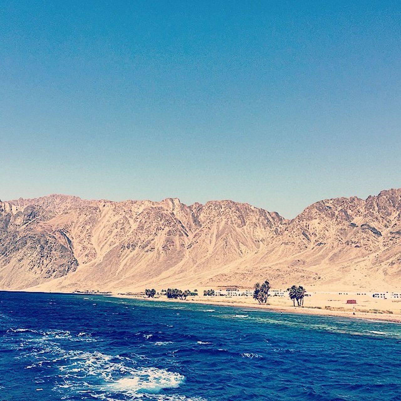 Познали все прелести снорклинга 🏊🏽 красивыеместа Trip Море пляж египет дахаб отпуск отдыхаем Relax Holidays яхта снорклинг