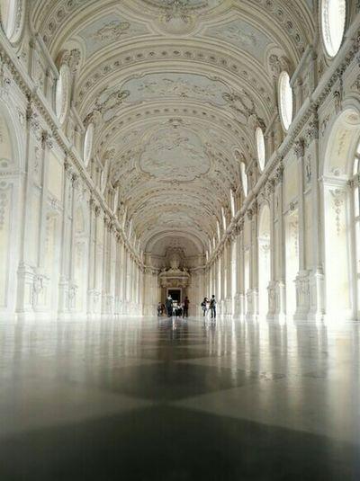 Venaria Venariareale Venaria Reale Cortigiana Architecture Design Indoors  Torino ❤ Torino Torino, Italy King Corté  Vanishing Point