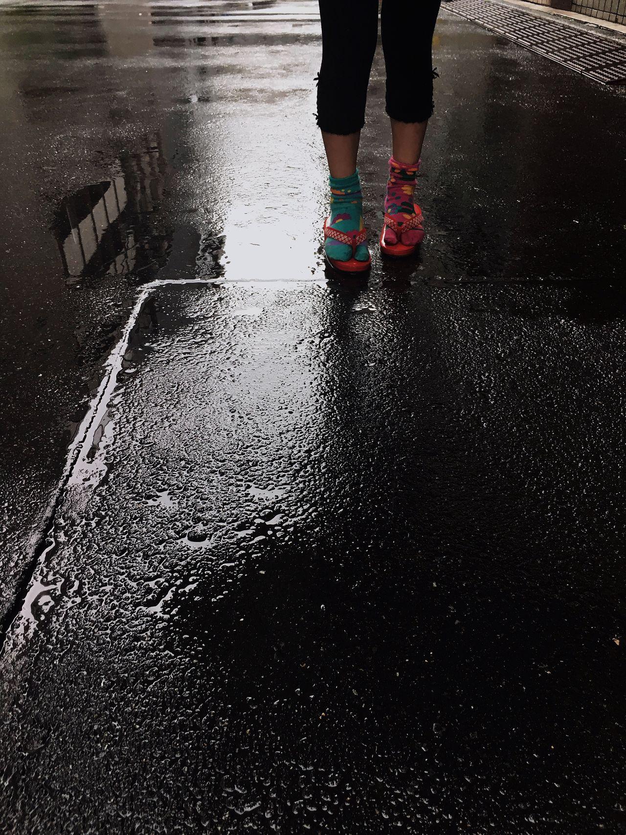 Rain Wet Daughter Family Puddle Rainy Days