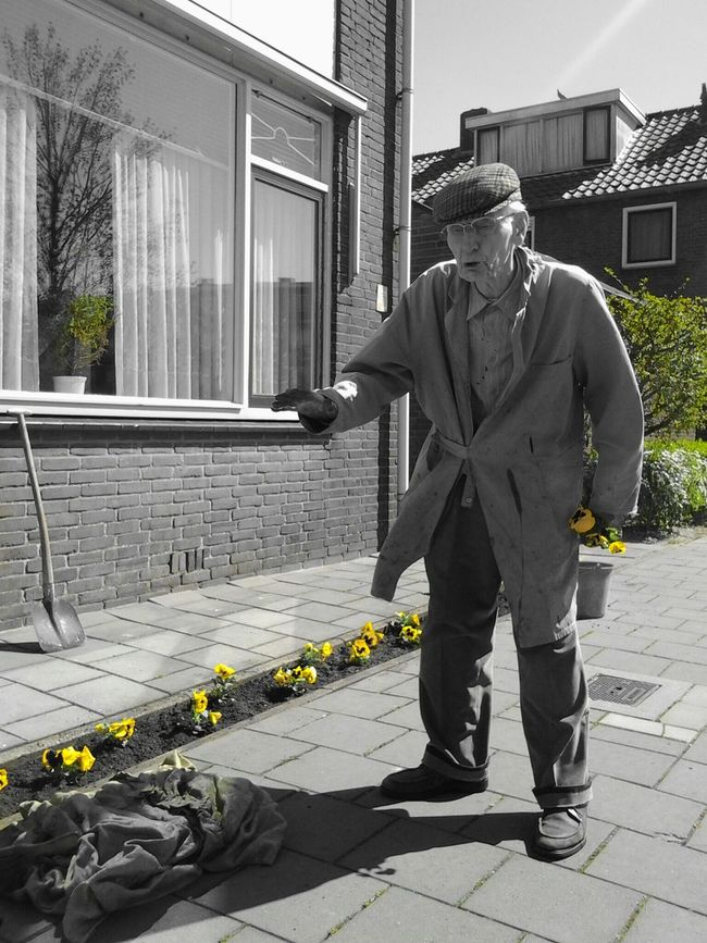 What a great guy..Kees! 90 Years Old Man Spicing Up The Neighbourhood Great Stories Beautiful People The Purist Streetphotography