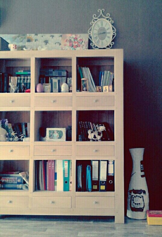 Everything In Its Place Vintage Library Books White Furniture Interior Views Showcase March Home Sweet Home Homesweethome Home Interior Home Sweet Home ♥ Homedecor Home Decor