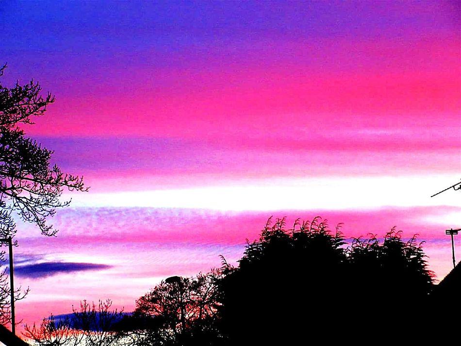 Sunset #sun #clouds #skylovers #sky #nature #beautifulinnature #naturalbeauty #photography #landscape Scotland Scotlandsbeauty My View Spring 2016 Spring Nights Bo'ness