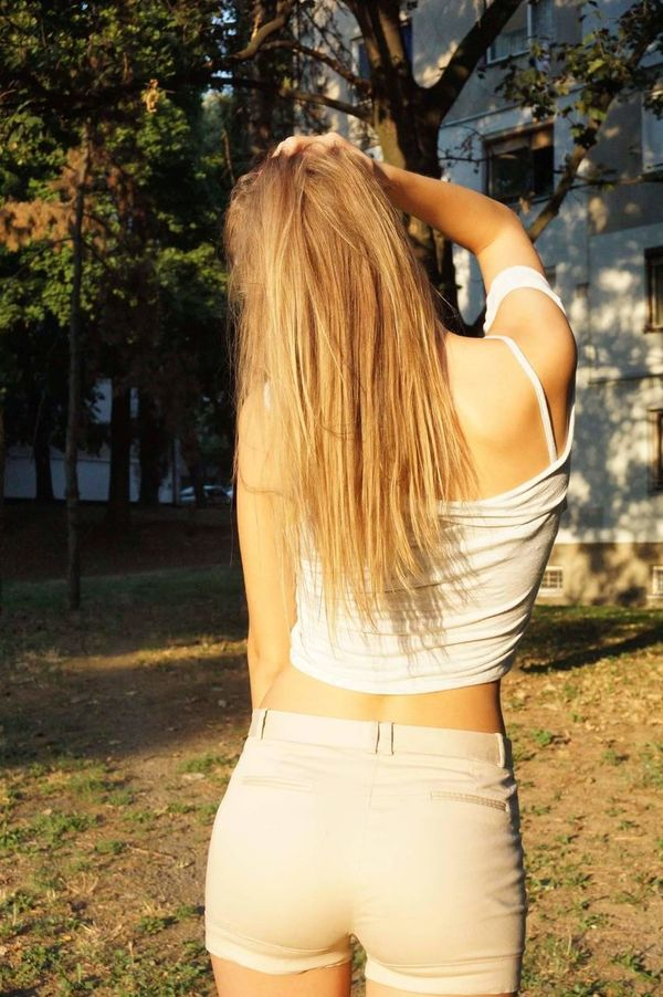 Long Hair Tree Outdoors Nature Sunset Sunlight Portrait Beauty Front View Day Blond Hair Lifestyles Side View Belgrade,Serbia BEOGRADE BEOGRADE🇷🇸🇷🇸🇷🇸