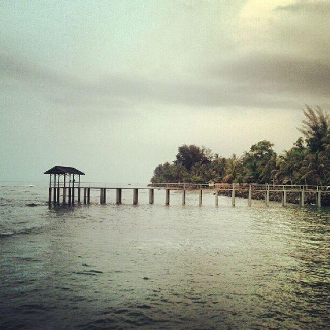 Bukan karena semua baik maka kita bersyukur... tapi karena kita bersyukur..maka semuanya menjadi BAIK... :) Anyer  Beach Vacation