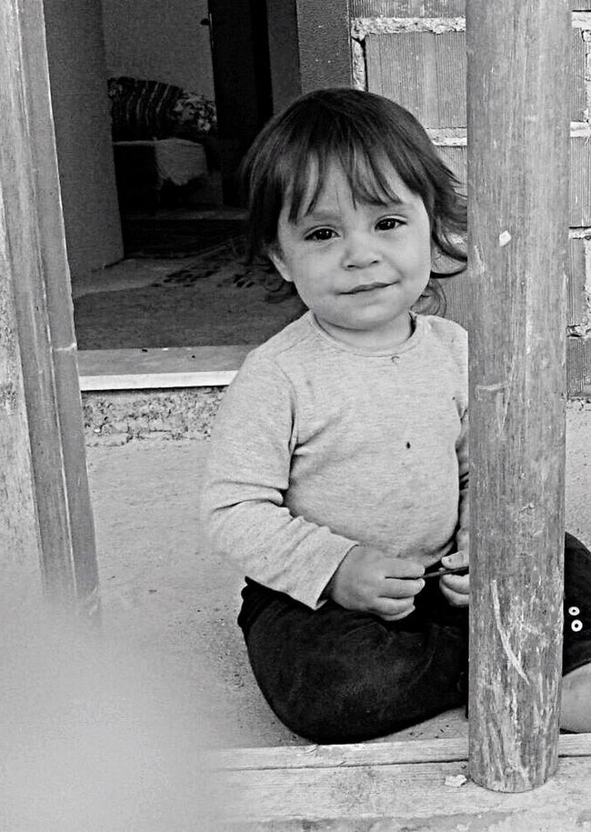 First Eyeem Photo Innocent Face Innocent Eyes Meaningful  Child Hello World Dark Night Turkey