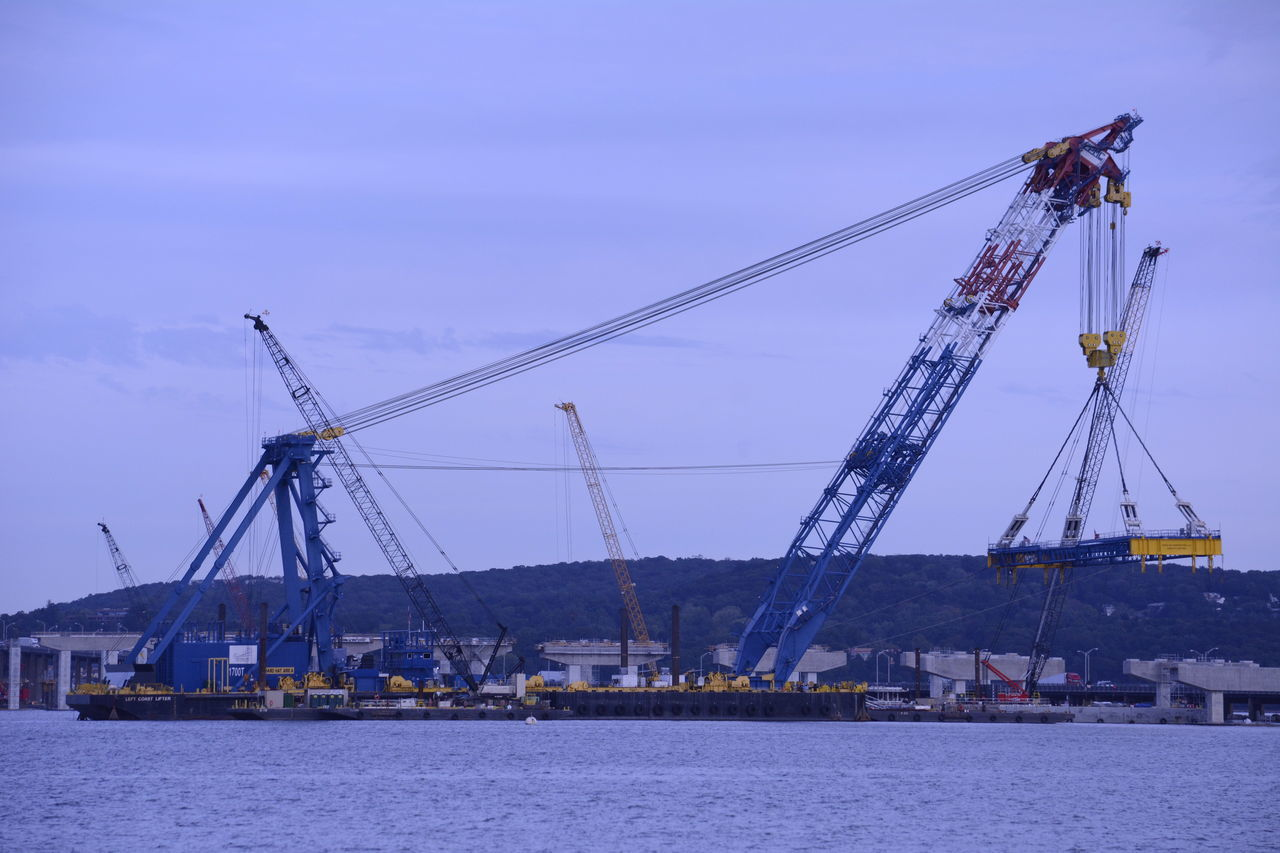 ILiftNYSupercrane Tappanzee Bridge Working New York
