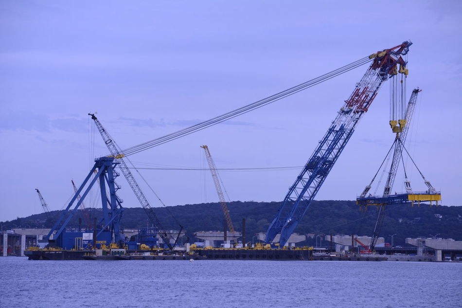 ILiftNYSupercrane Tappanzee Bridge Working New York