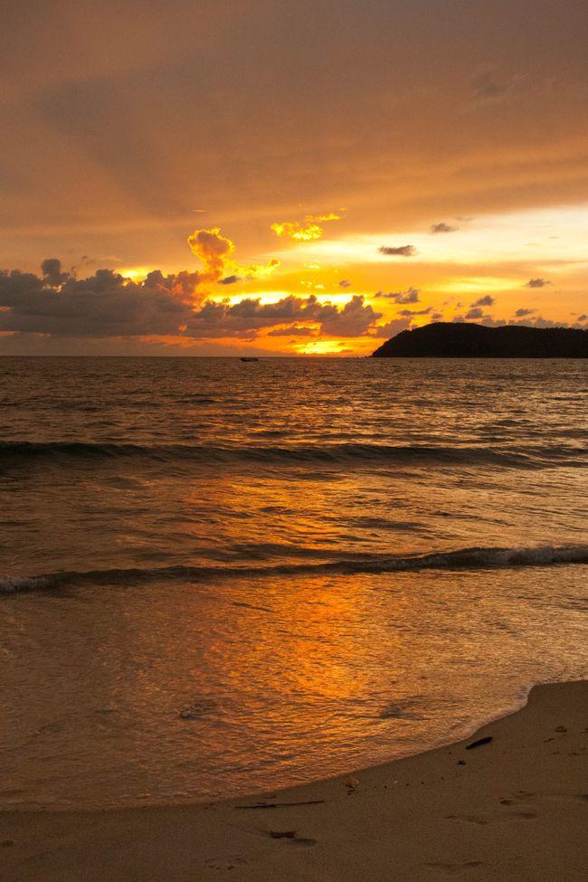 Sunset Malaysia Langkawi Orange Golden 43 Golden Moments Beach Seaside Sea Clouds Golden Hour