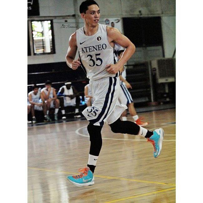 Robert Roa @roarobert AteneogloryB Basketball Agb Admu obf robertroa walkingonair themanansala photography