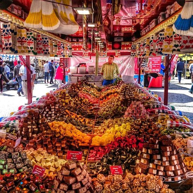 Mmmm, I'm in Heaven :) Halmstad Storatorg Godis candy hejhalmstad 7dagarbilden internationalpictures vår spring westcoast_sweden yosweden ig_sweden wu_sweden instagram_i_sverige
