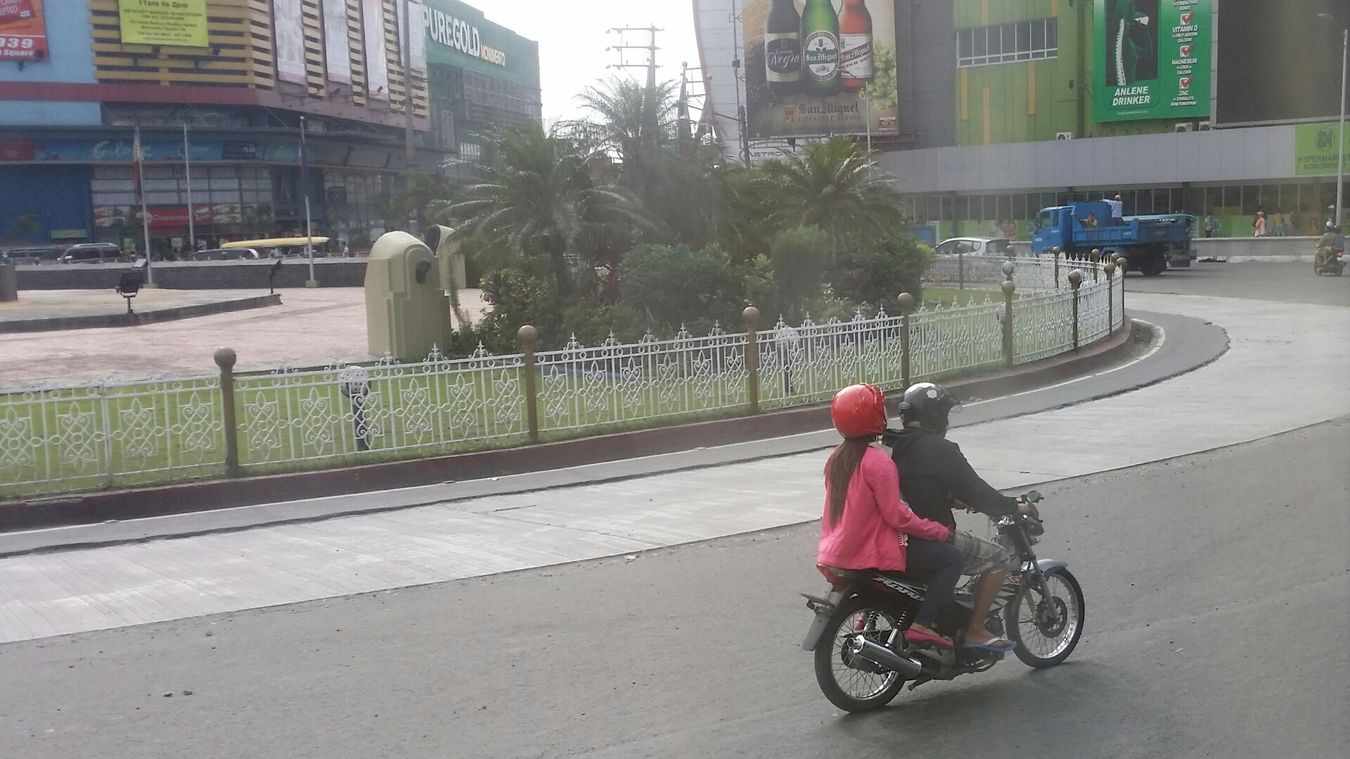 Suppose to be panning! Fail.. >< its hard to do it on Samsung Galaxy Note III Samsung Captured With My Note 3