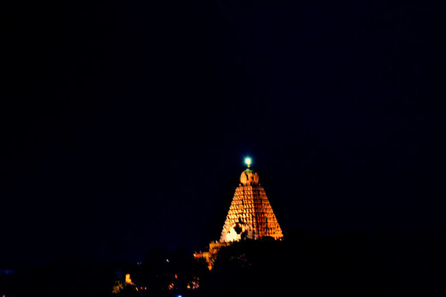 The Pride of cholas....imposing structure turned 1000 years.... Architectural Feature Big Temple Eyeem Of The Day EyeEm Of The Week EyeEm Vision Glowing Light Night No People Tall - High Thanjavur Tourism Travel Destinations World Heritage Site