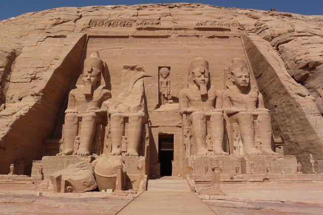 Histoire Ancienne Ruine Vue En Contre-plongée Tourisme Civilisation Antique Destination De Voyage Sculpture Historique Archeologie Tombe Tombeau Ramses Art Endroit Célèbre